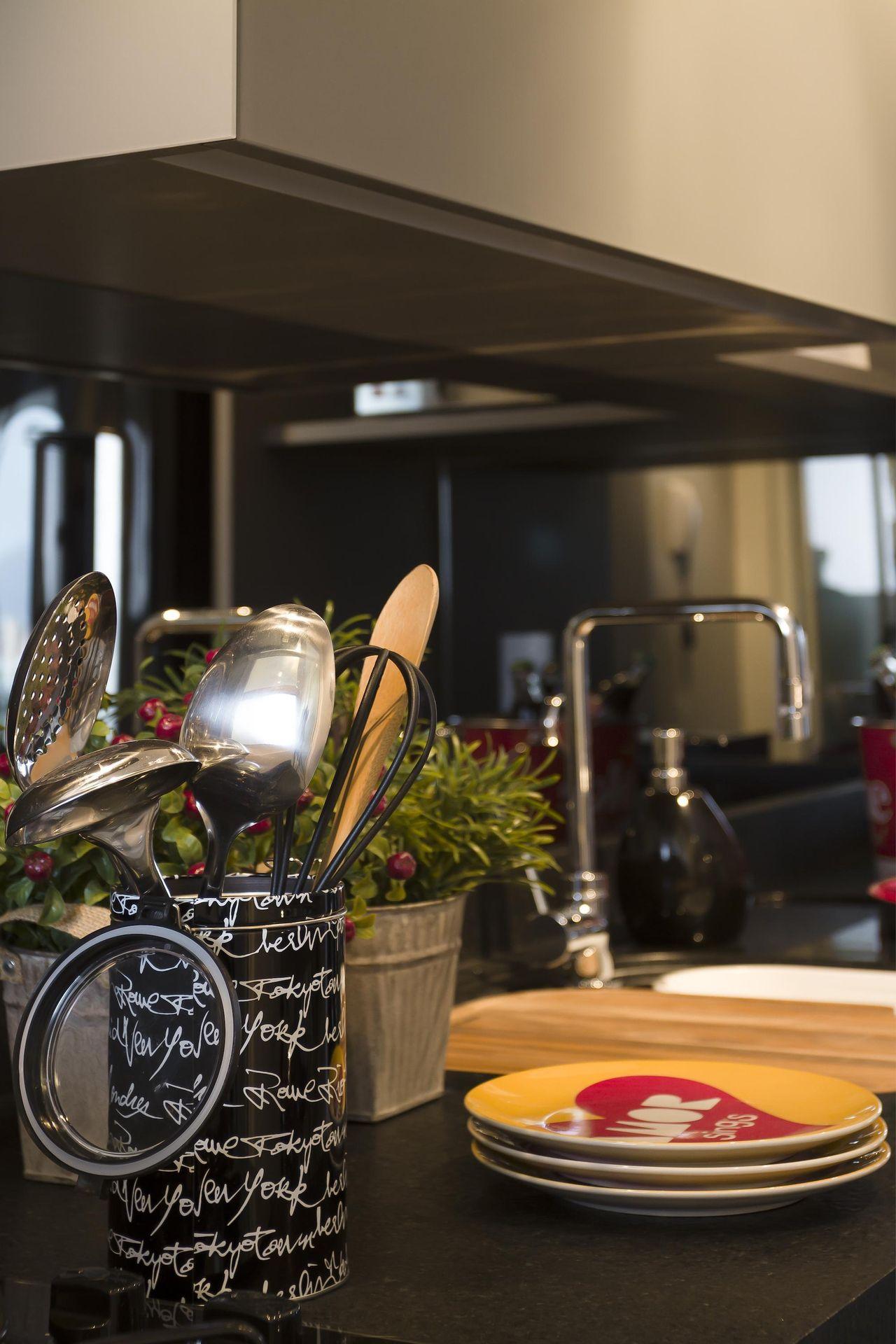 Cozinha Com Porta Utens Lios De Juliana Pippi 71165 No Viva Decora