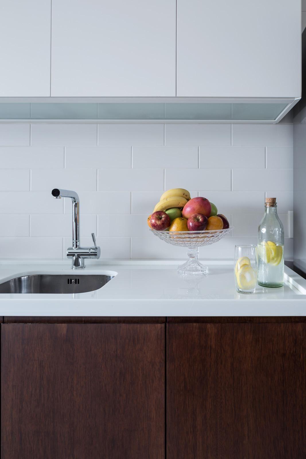 Cozinha Com Tijolinho Pintado De Branco De 0e1 Arquitetos 73785 No  -> Tapete De Sala Pintado A Mao