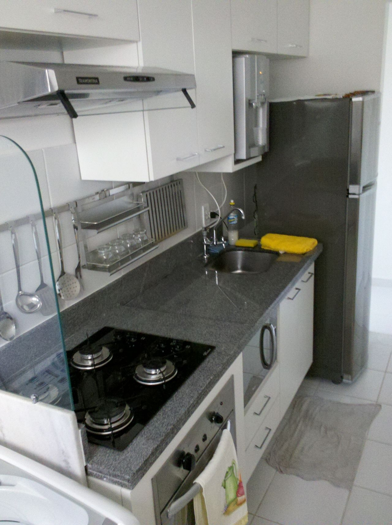 Cozinha Com Balc O De Granito E Cooktop De Dilton Ferreira  ~ Balcao De Granito Para Cozinha