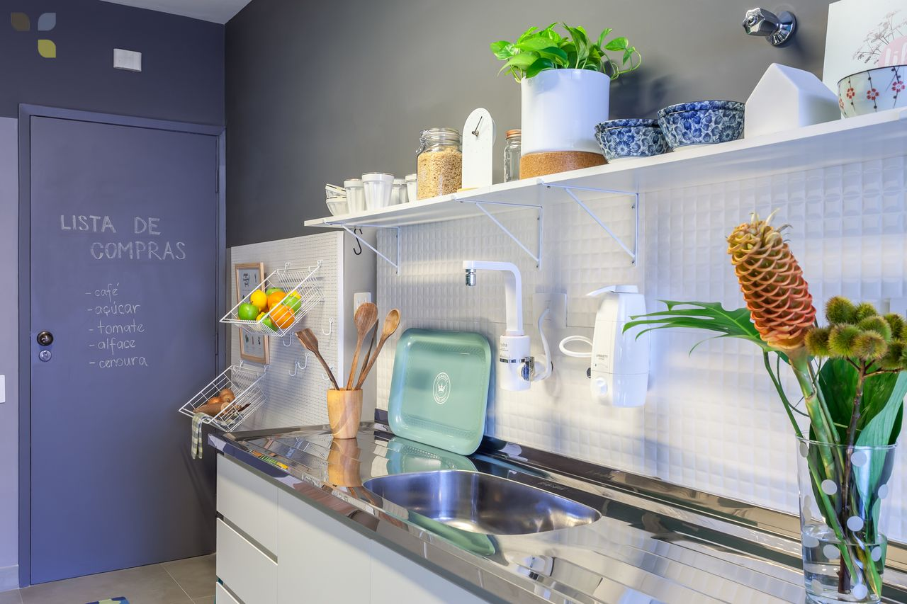 Cozinha Colorida Com Porta Violeta De Carol Tasiro 137801 No Viva