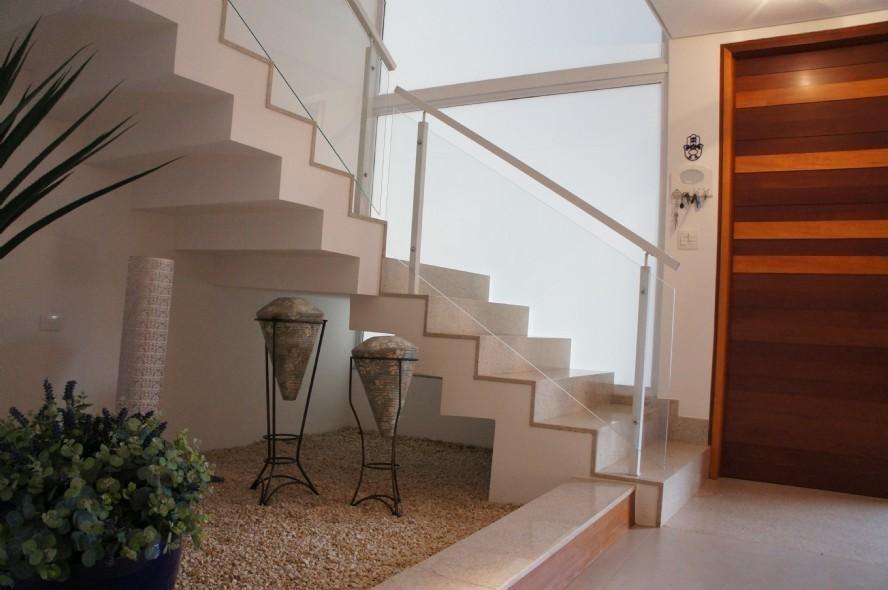 Muito Escada com Corrimão de Vidro de Braga Ueno Arquitetos - 53545 no  UT09