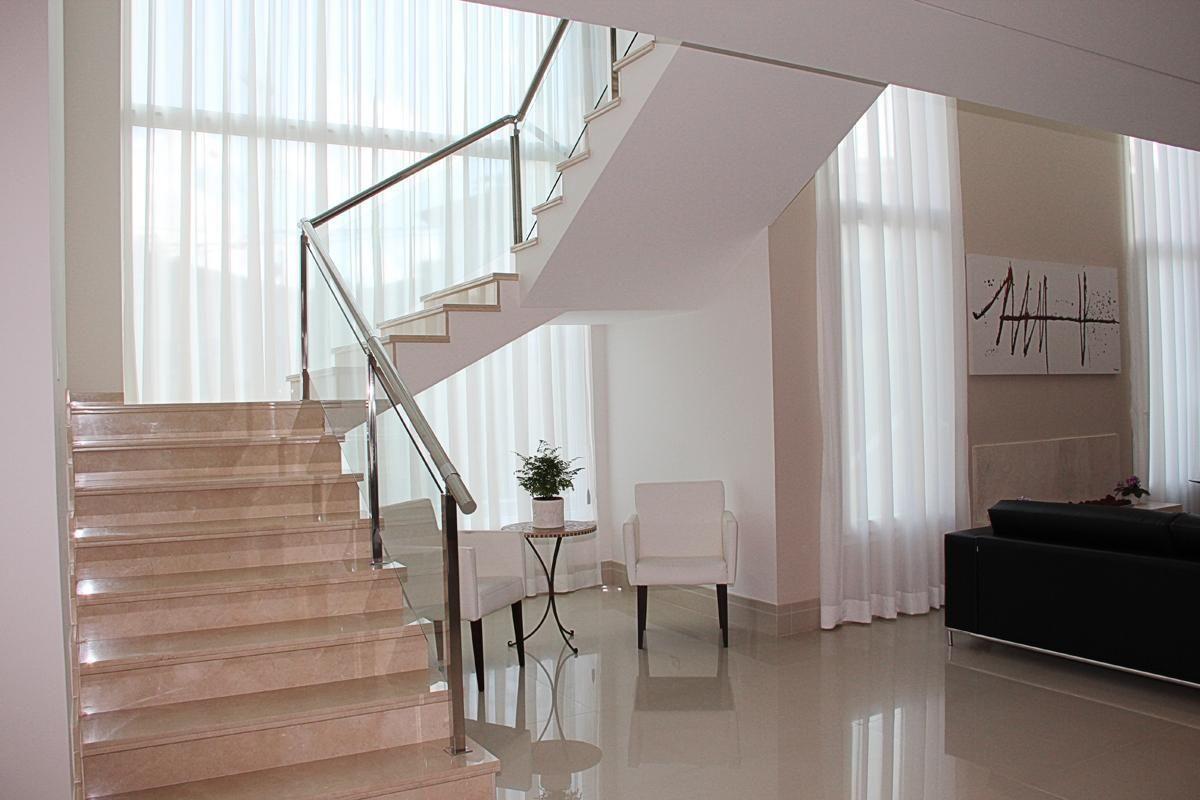 Preferência Escada com corrimão de Vidro de Leonice Alves - 46770 no Viva Decora SD46