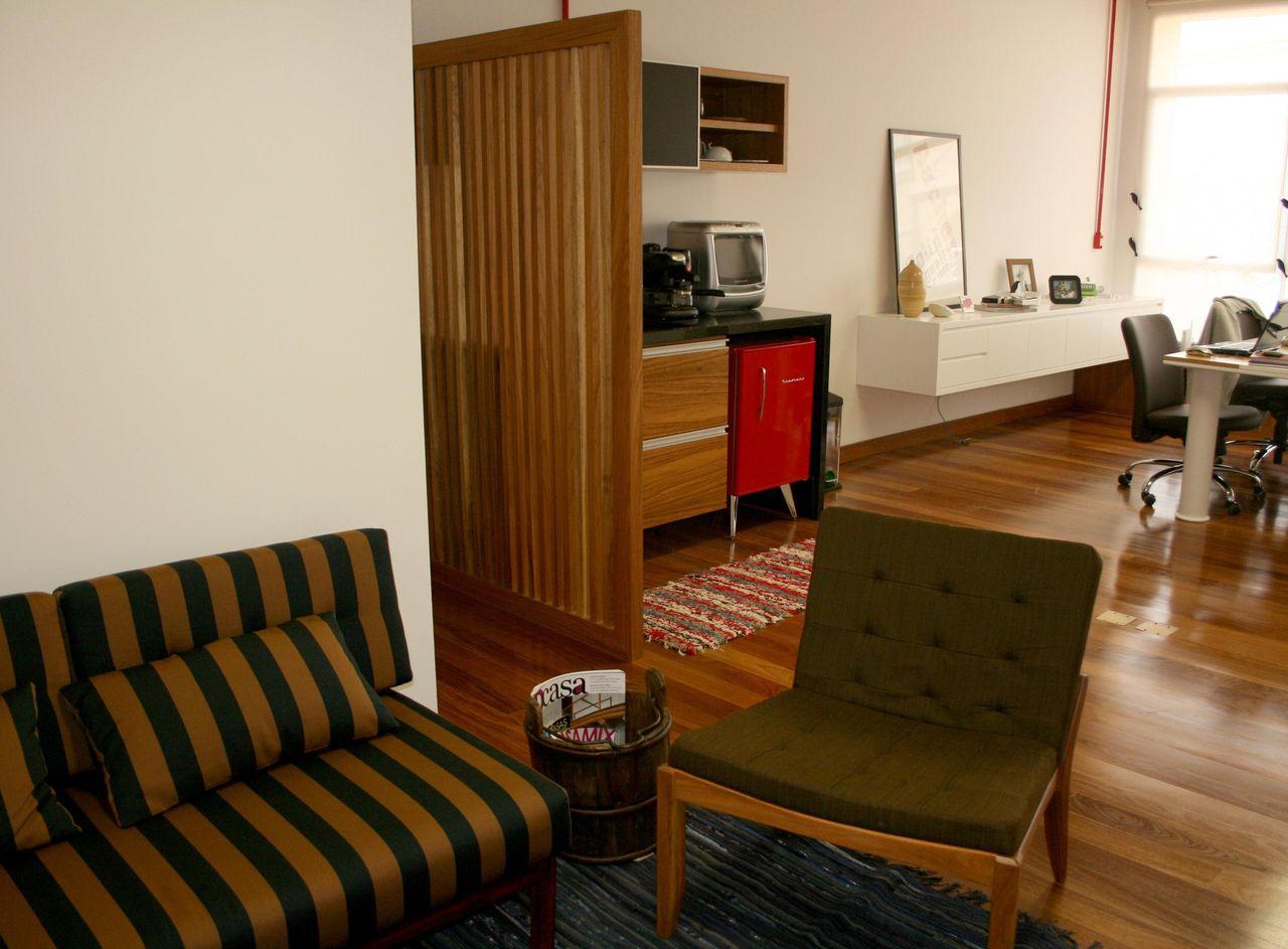 Espa O Comercial Com Divisor De Ambiente De Madeir De Proj Tica  -> Divisor Sala E Cozinha