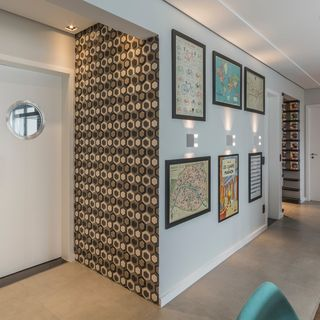 Hall Entrada Com Papel De Parede Geométrico