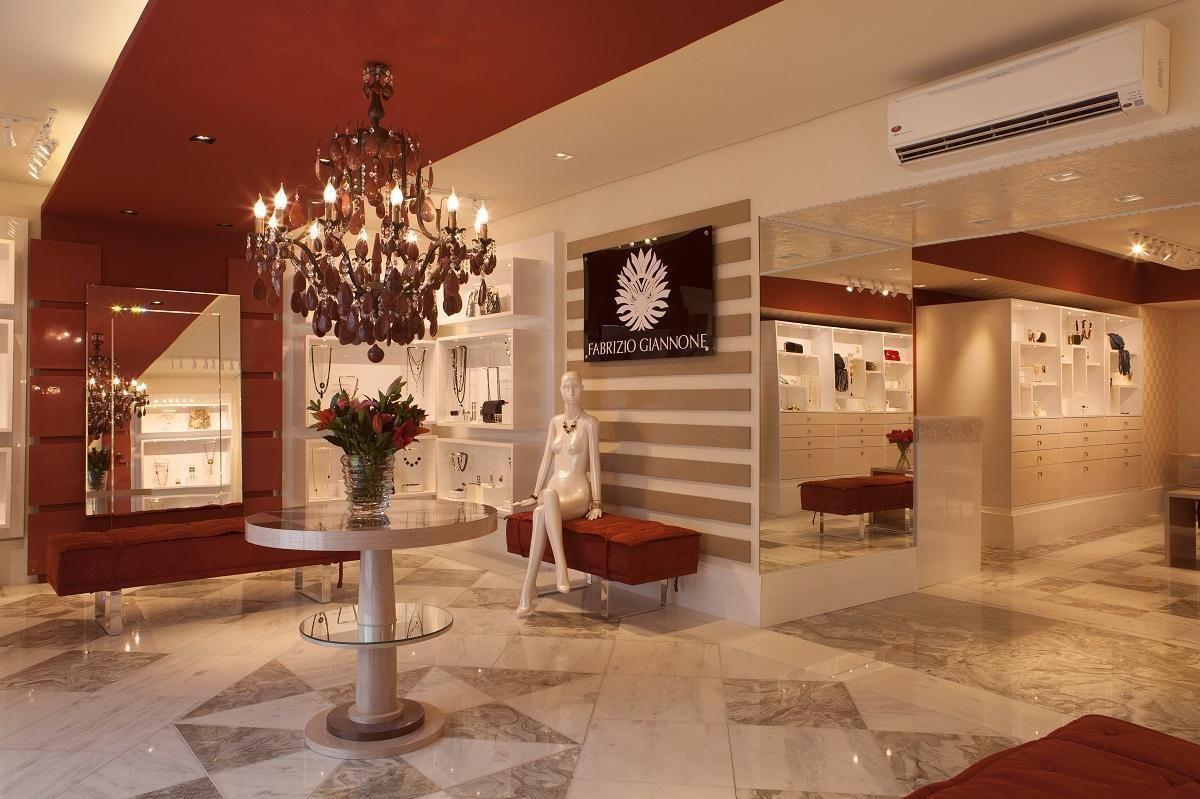 b97f0fa021c Decoração Loja Boa ideia para inspirar o closet  Joalheria design revistavd  14279