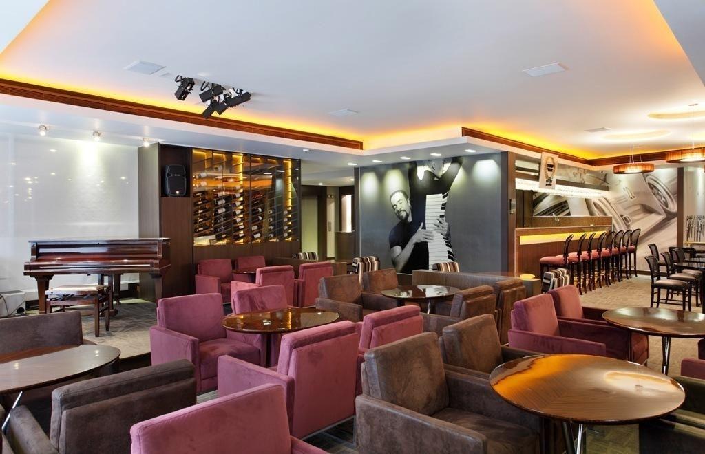 Decoração Poltronas Vermelha No Bar Do Restaurante Dgarquitetura 103441