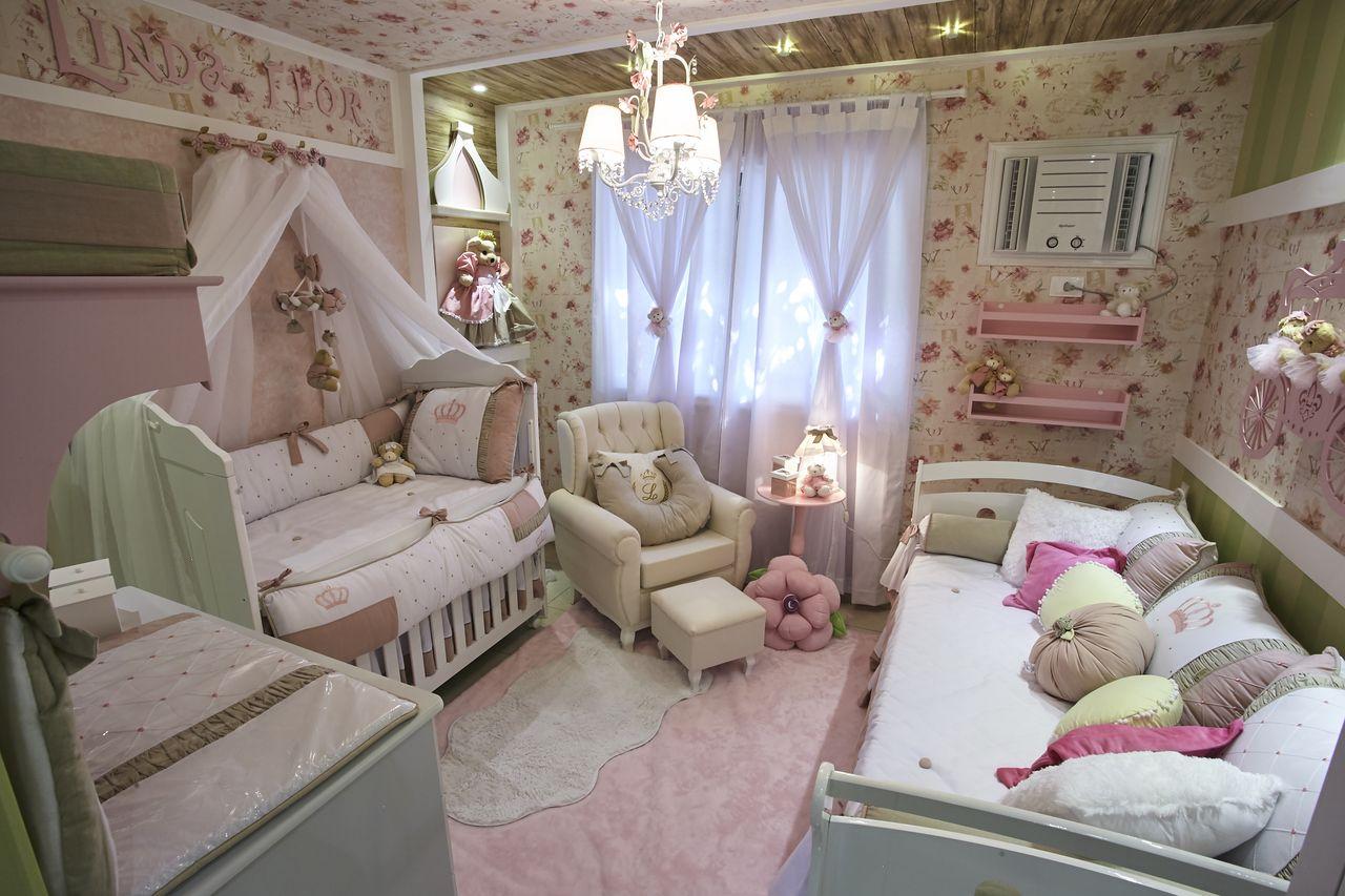 Quarto De Princesa Com Estampa Floral Rosa De Andrea Bento  ~ Quarto Infantil Planejado Princesas