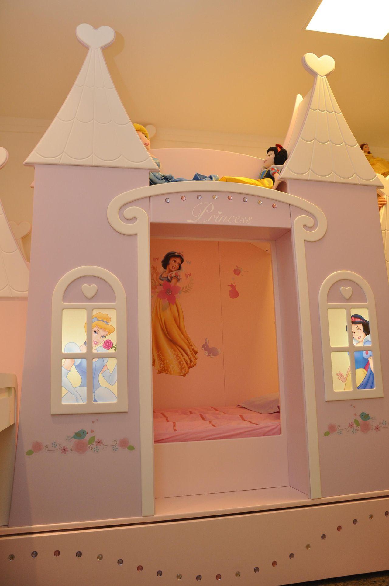 Quarto Infantil De Menina Com Castelo Das Princesa De Nicolle Do  ~ Decoração Quarto Infantil Princesas