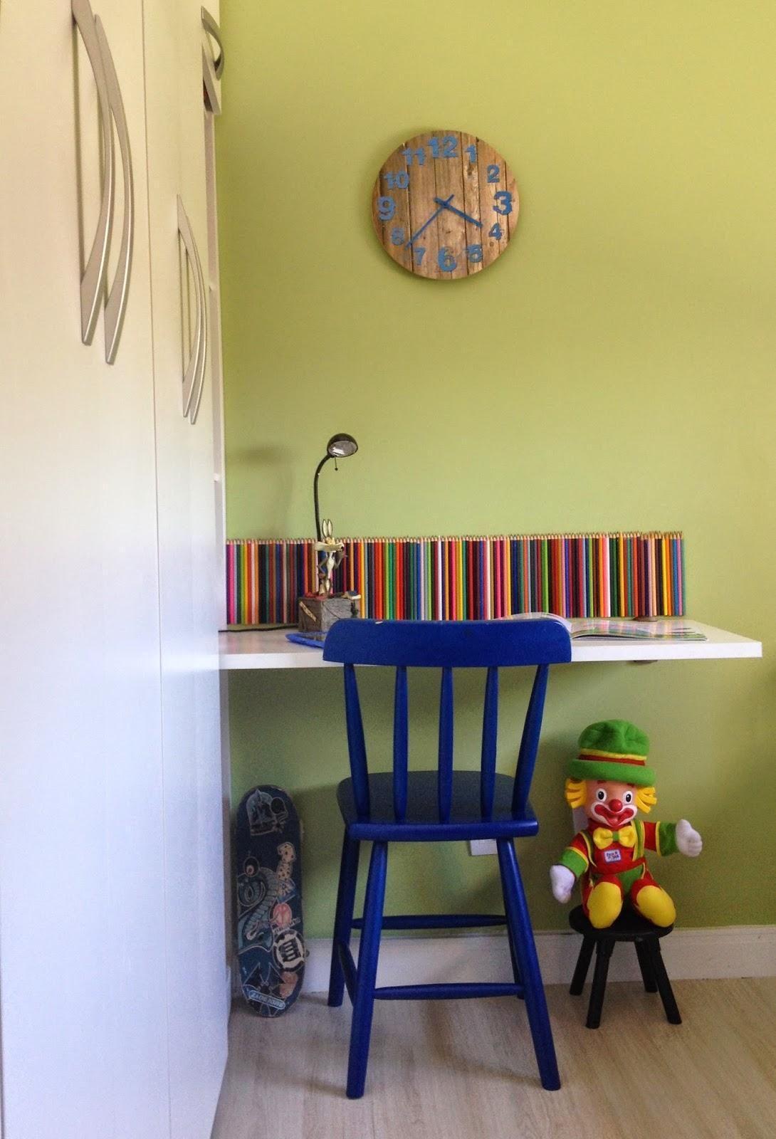 Quarto Infantil Com Cadeira Azul De Jeanny Machado 55928 No Viva  ~ Poltrona Para Quarto Infantil E Decoração Simples Quarto