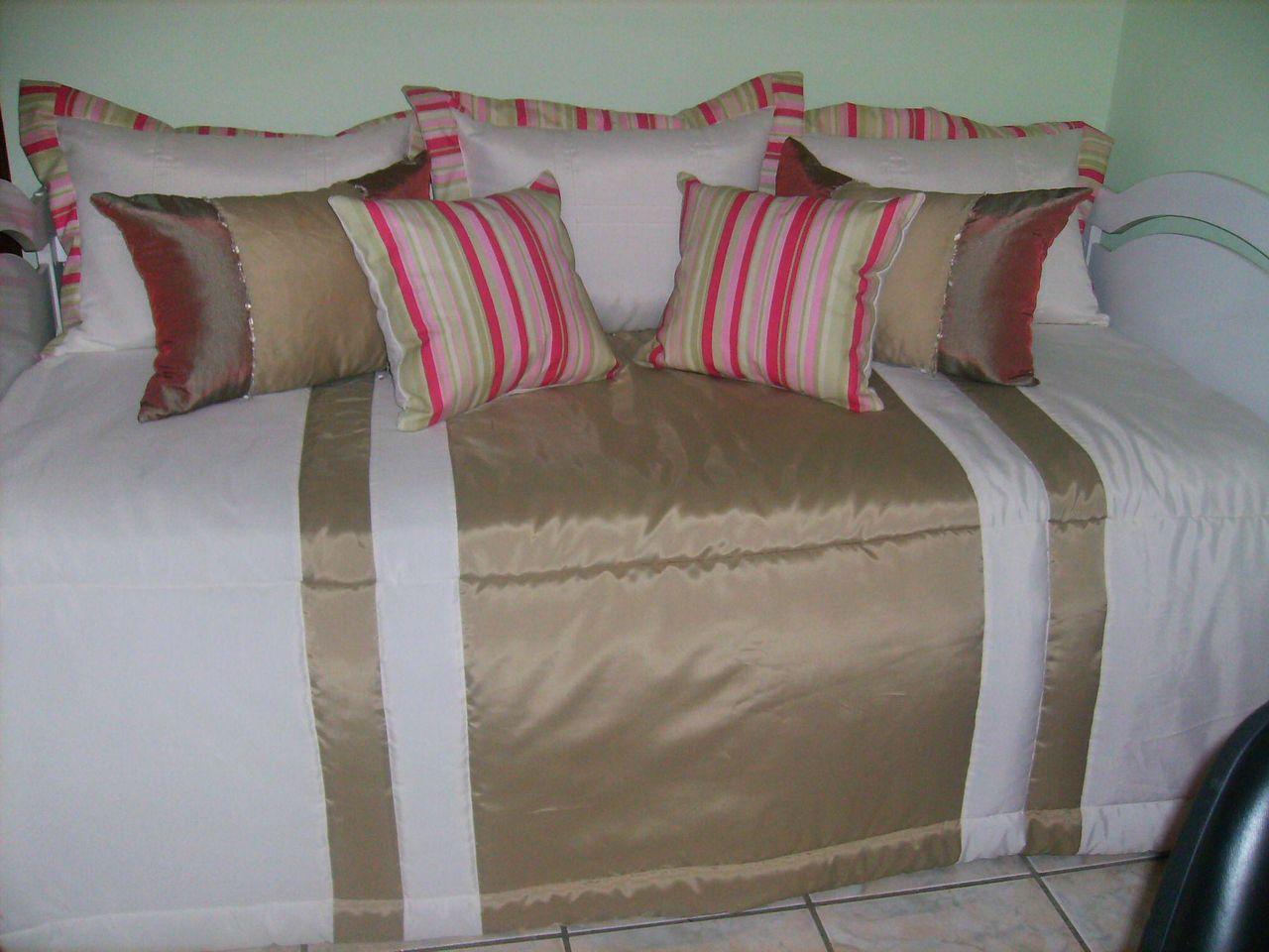 Resultado de imagem para decoração almofadas na cama