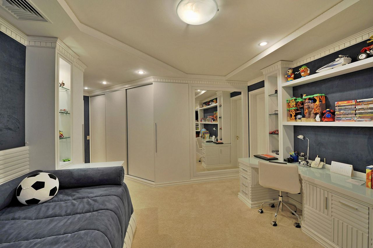 Quarto De Solteiro Com Espelho Grande De Bender Arquitetura  ~ Decoração Para Quarto De Solteiro