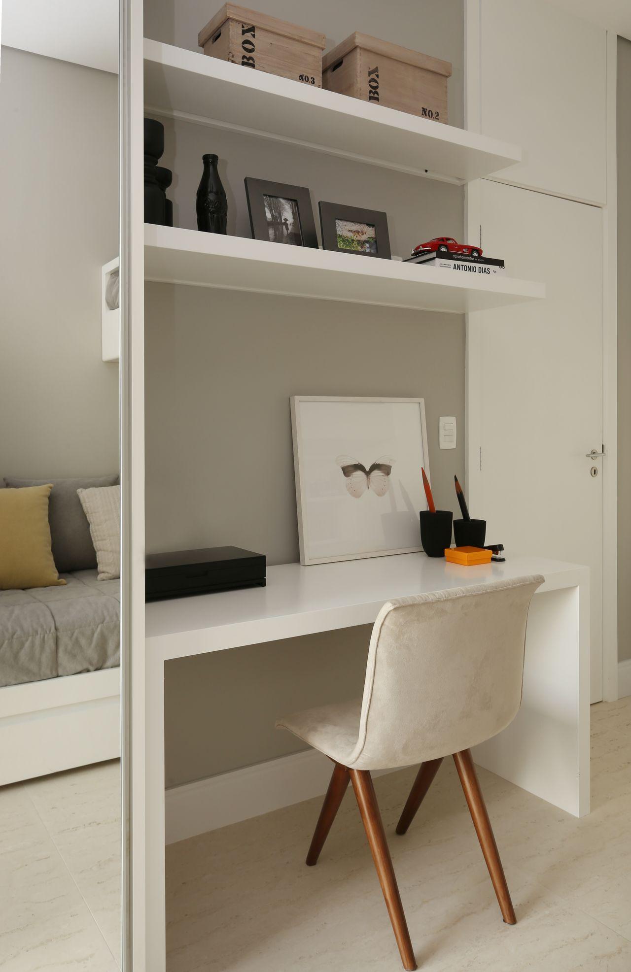 Escrivaninha No Quarto De Chris Silveira E Arquitetos Associados  ~ Quarto De Solteiro Com Escrivaninha