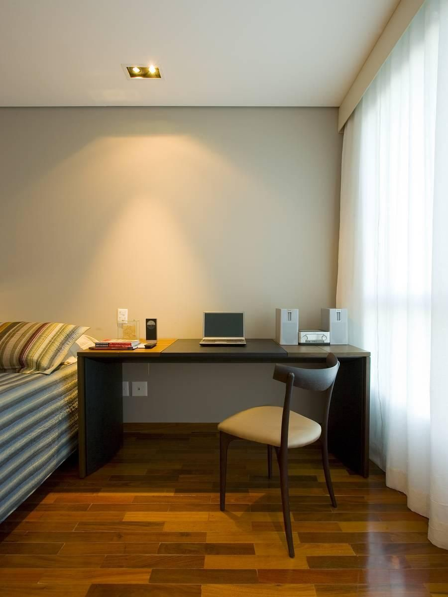 Mesa Para Home Office No Quarto De Renata Basques 86022 No Viva  ~ Home Office No Quarto De Solteiro