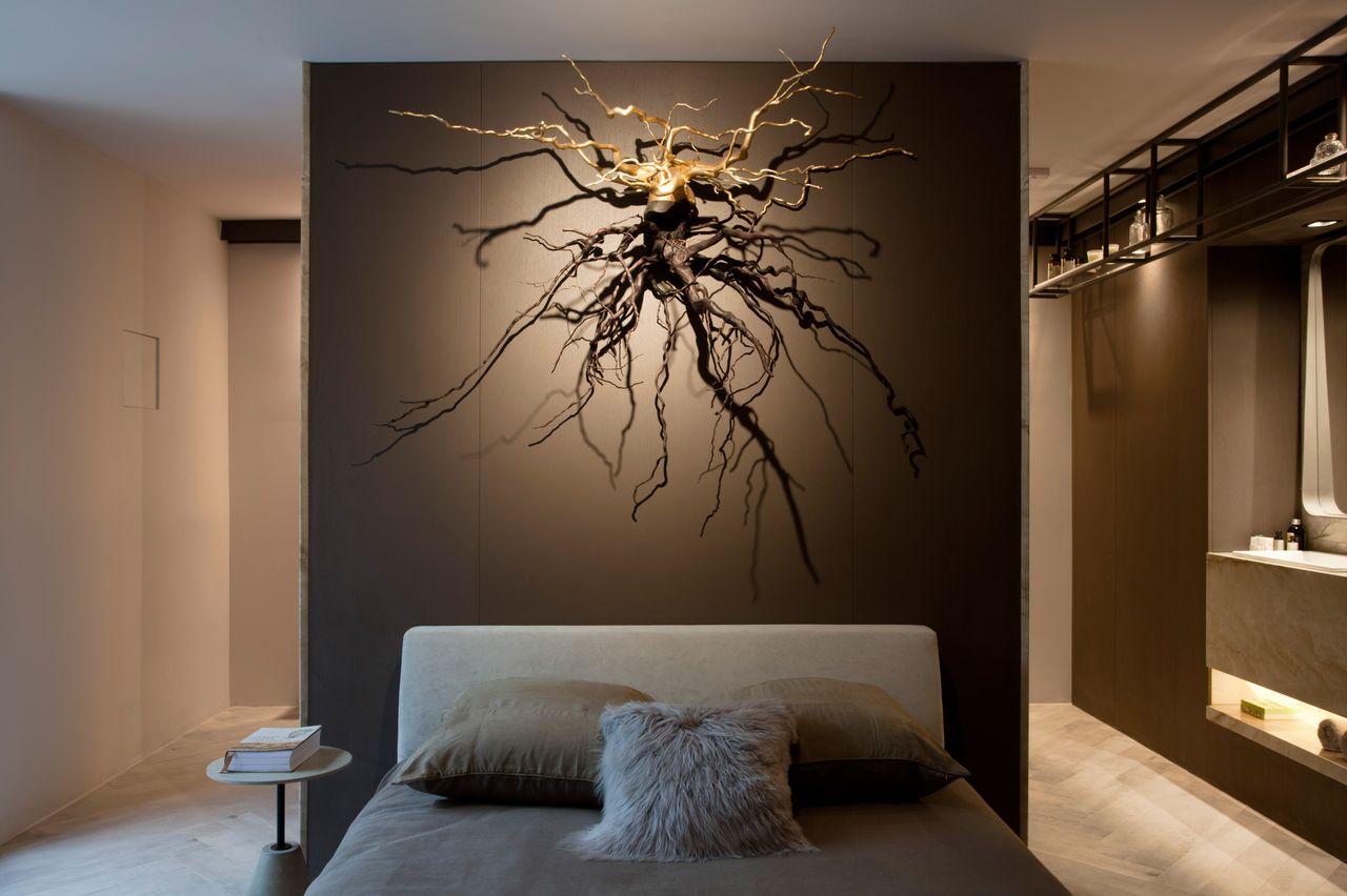 Quarto De Loft Com Parede Grafite E Escultura De Sandra Moura  ~ Grafite Parede Quarto Com Quarto Moderno Solteiro