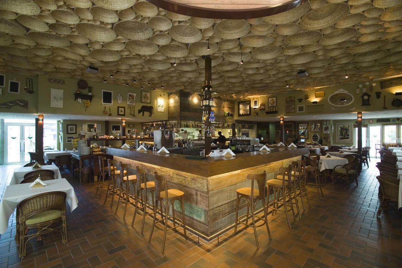 Restaurante com estilo rústico de SQ+ Arquitetos Associados 65718 no Viva Decora # Decoração De Restaurante Rustico