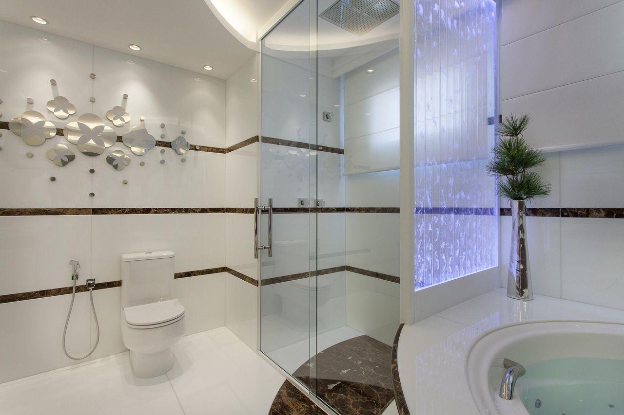 Banheiro Master Em Nanoglass Branco E Mármore Marr De Iara Kilaris