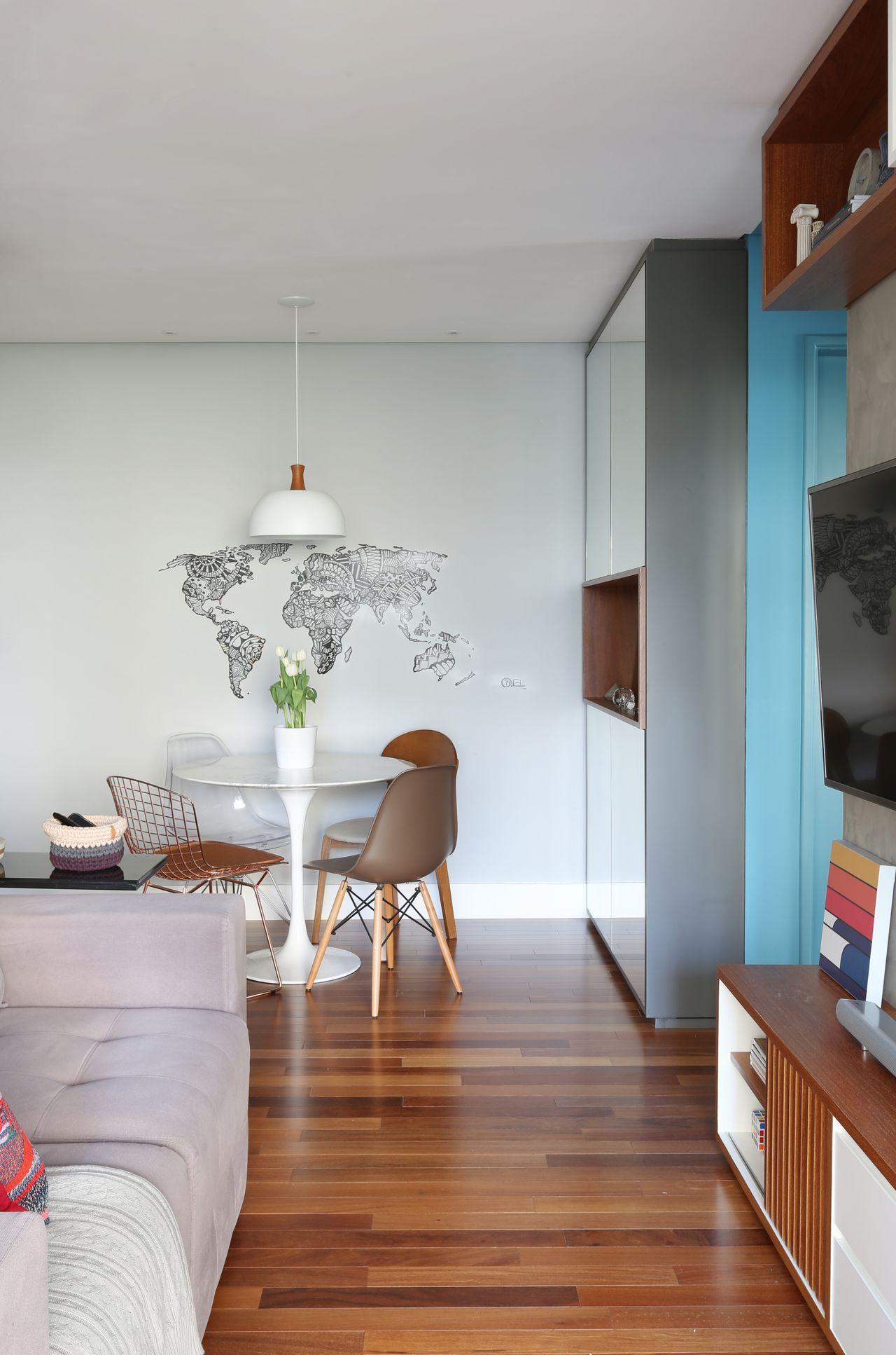 Adesivo De Parede Do Mapa Mundi E Pendente Branco De Nat Lia Salla  -> Adesivo Para Decoracao De Sala