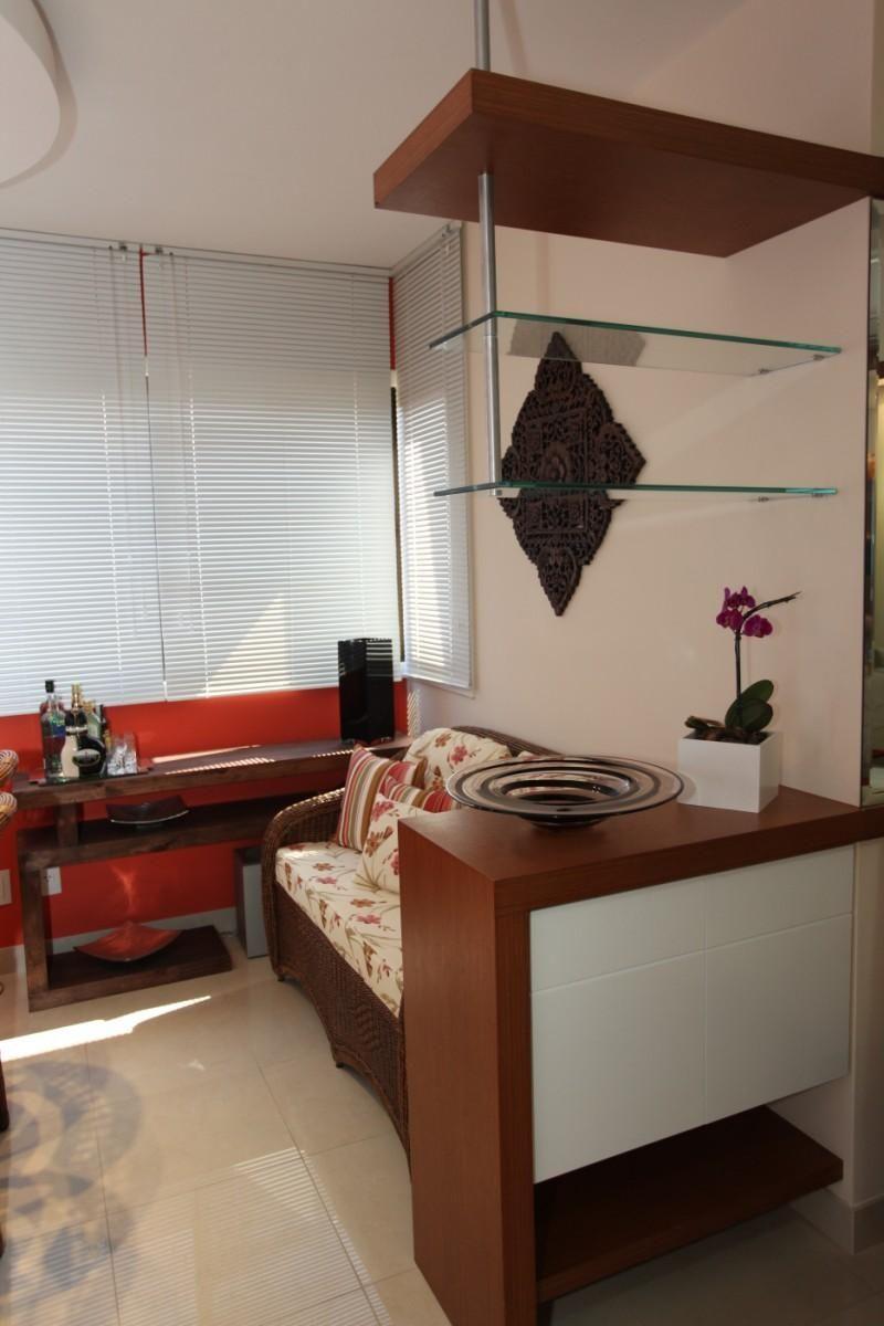 Sala De Estar Com Divis Ria De Madeira E Vidro De Renata Kohmann  ~ Divisoria Para Cozinha E Sala