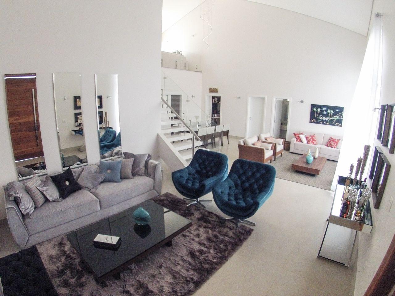 Sala De Estar Com Espelhos E Sof Cinza De Arquiteto Caio Pelisson  -> Sala Sofa Cinza E Azul
