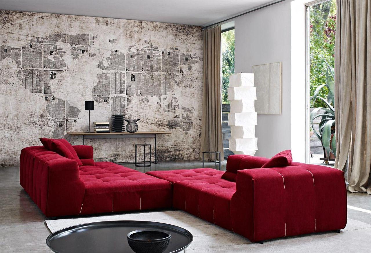Sala De Estar Com Parede De Jornal E Sof Vermelho De Revista Viva  -> Papel De Parede Para Sala Com Sofa Vermelho