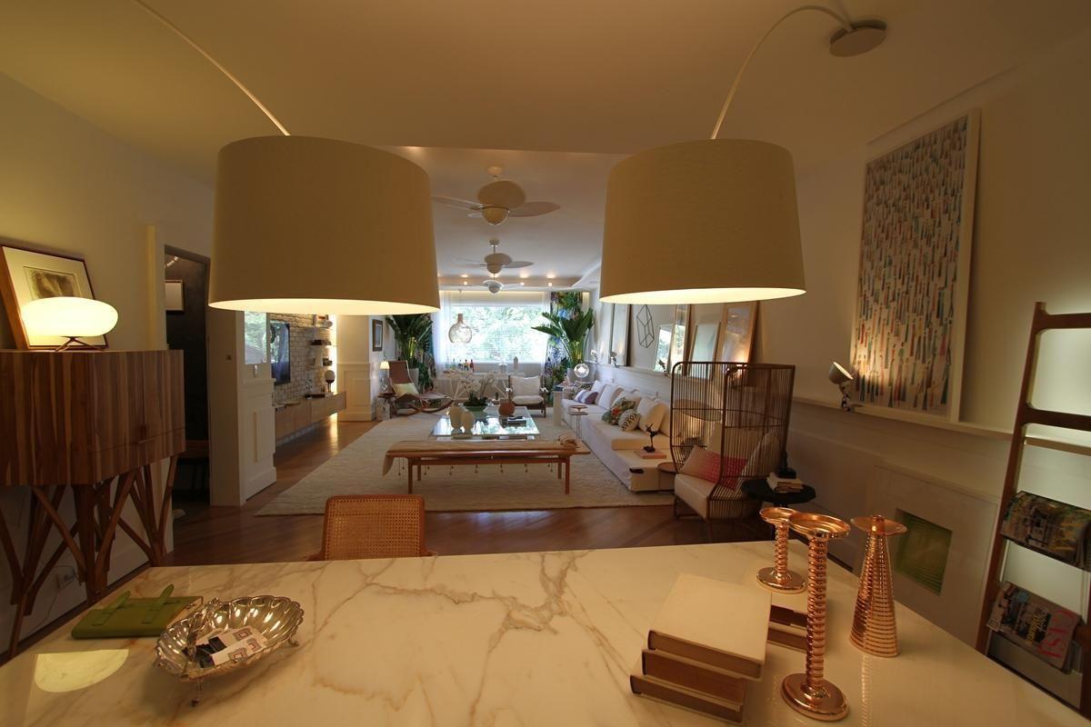 Sala de estar com piso de taco de rodrigo maia 62312 no - Piso para sala de estar ...