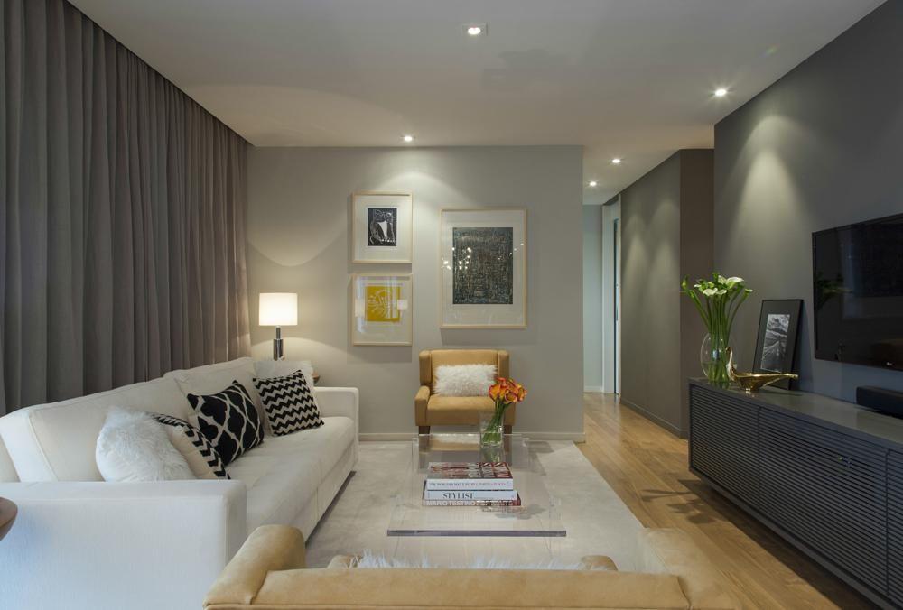 Sala De Estar Roxa E Cinza ~ Sala de estar com poltrona e parede cinza de roberto robl 27243