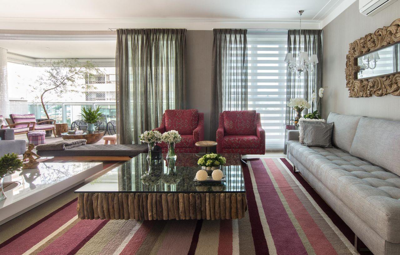 #7D4E59 decoração sala de estar sala de estar com poltrona vermelha e tapete 1280x816 píxeis em Decoração Sala De Estar Tapetes