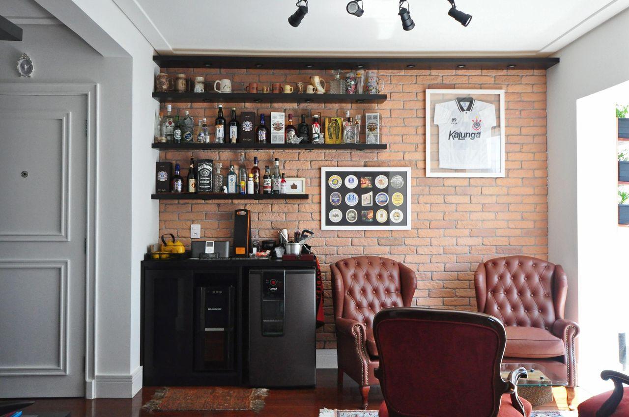 Sala De Estar Com Prateleiras Para As Bebidas De Condecorar  -> Decoracao De Sala Com Prateleiras