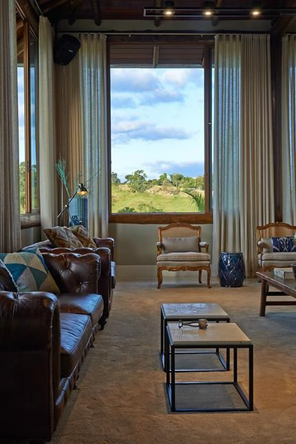 Sala De Estar Luis Xv ~  sala de estar sala de estar com sofá de couro e cadeira luis xv
