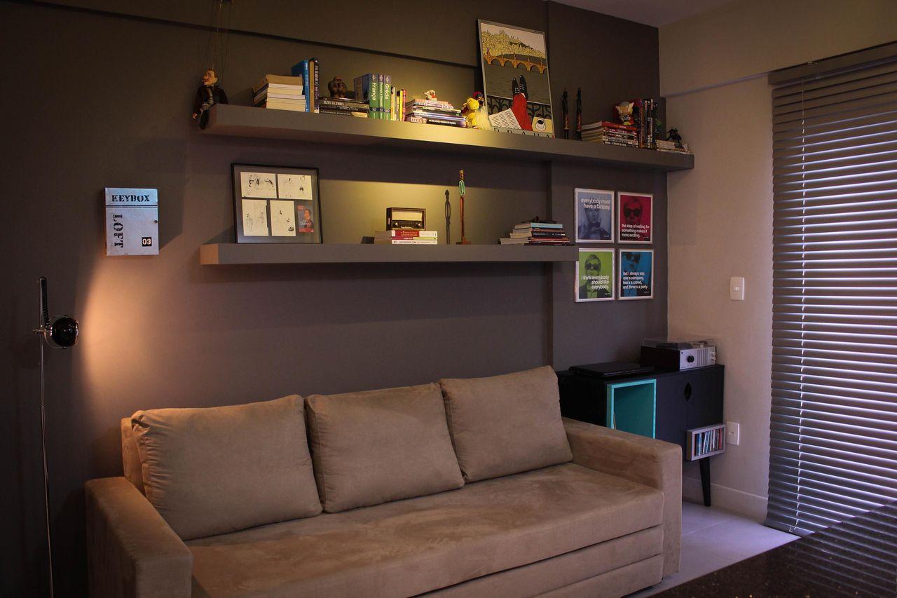 Sala De Estar Com Sof Marrom Claro De Studio Due Arquitetura  -> Sala Simples Marrom
