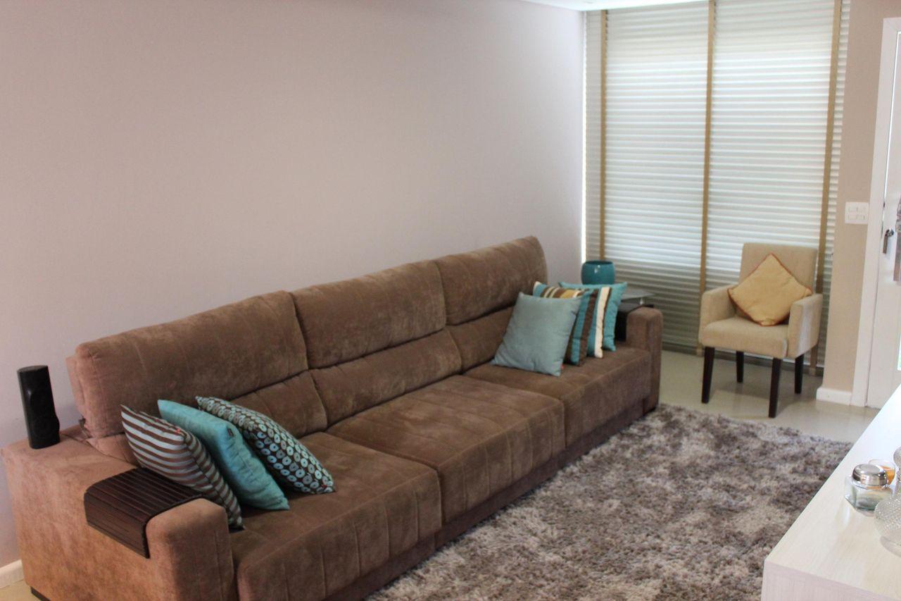 Decora O De Sala Estar Pequena Com Sofa Marrom Ezhandui Com -> Sala Simples Marrom
