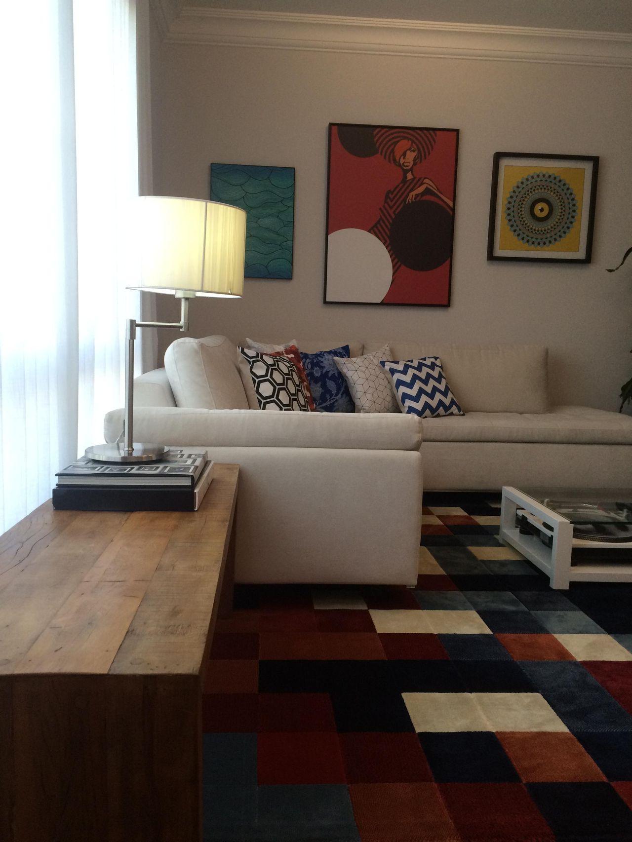 Tapete Para Sala Colorido With Tapete Para Sala Colorido With  -> Sala De Tv Com Tapete E Almofadas