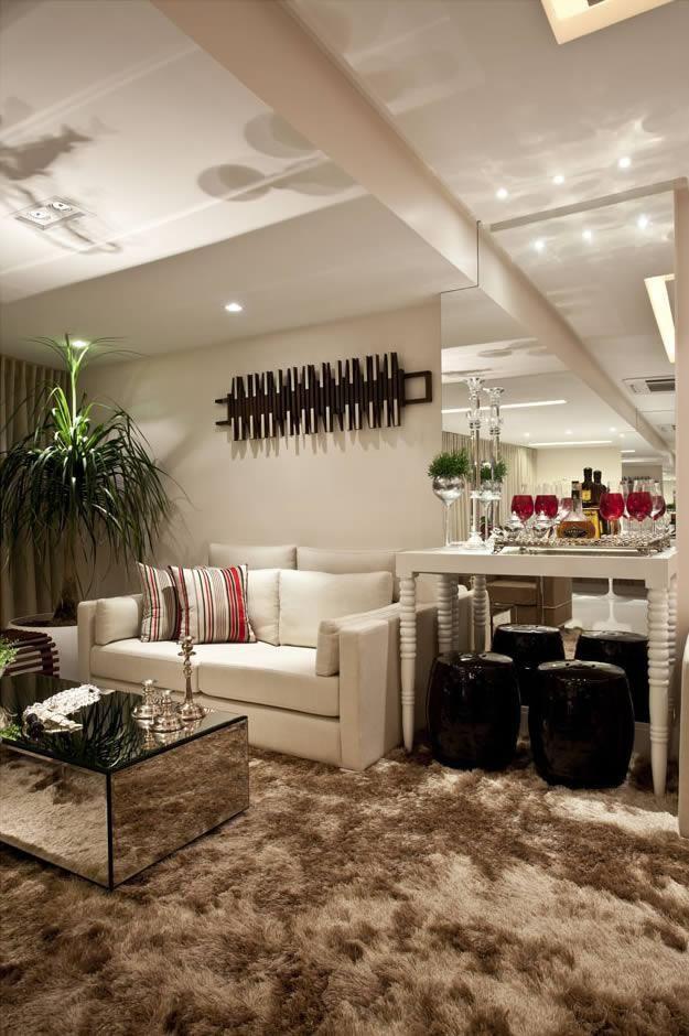 Sala de estar com tapete marrom id ias for Tapetes para sala de estar 150x200