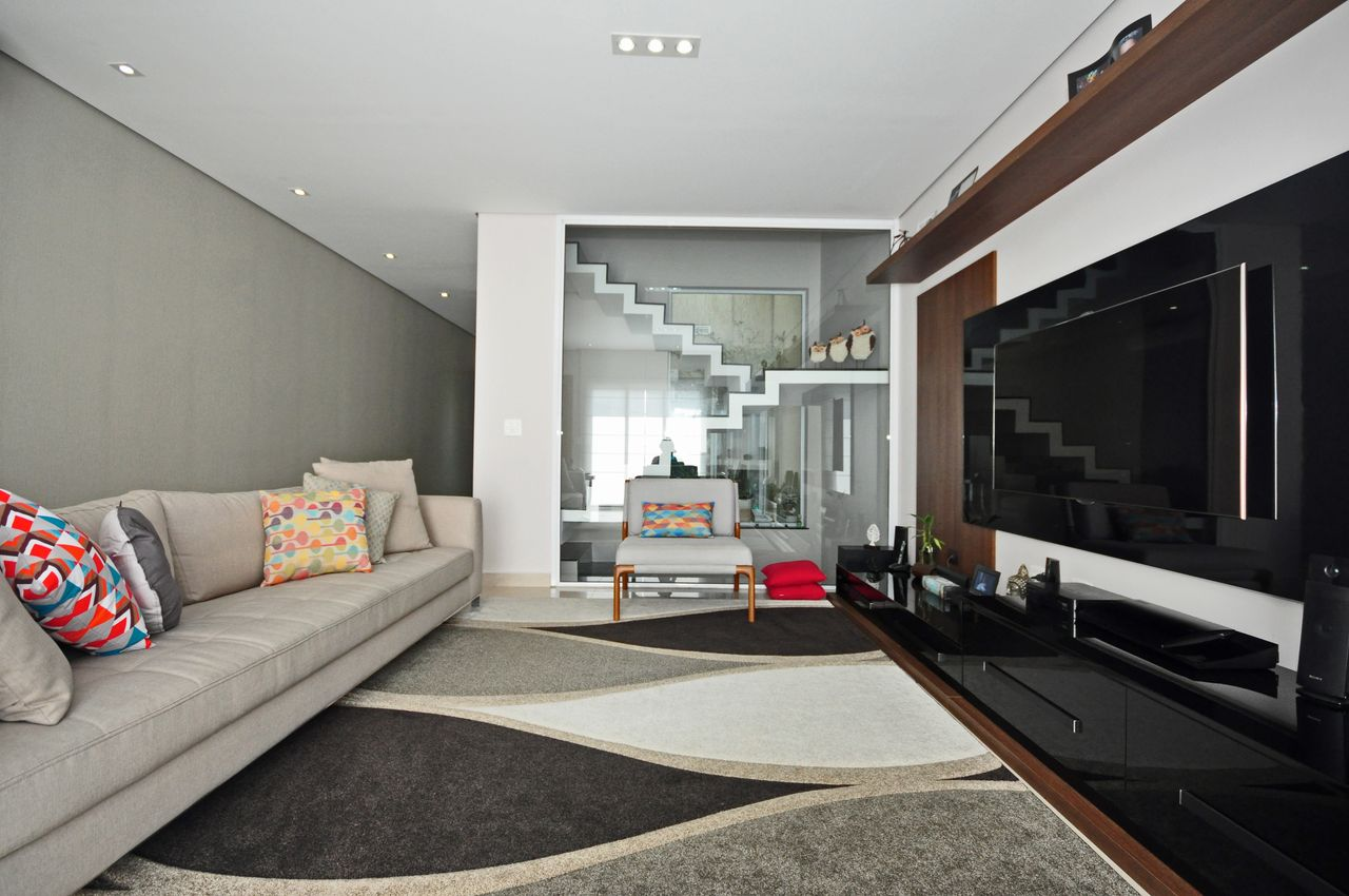 Sala De Estar Moderna Em Tons De Cinza E Preto De Condecorar  -> Sala Cinza Preto