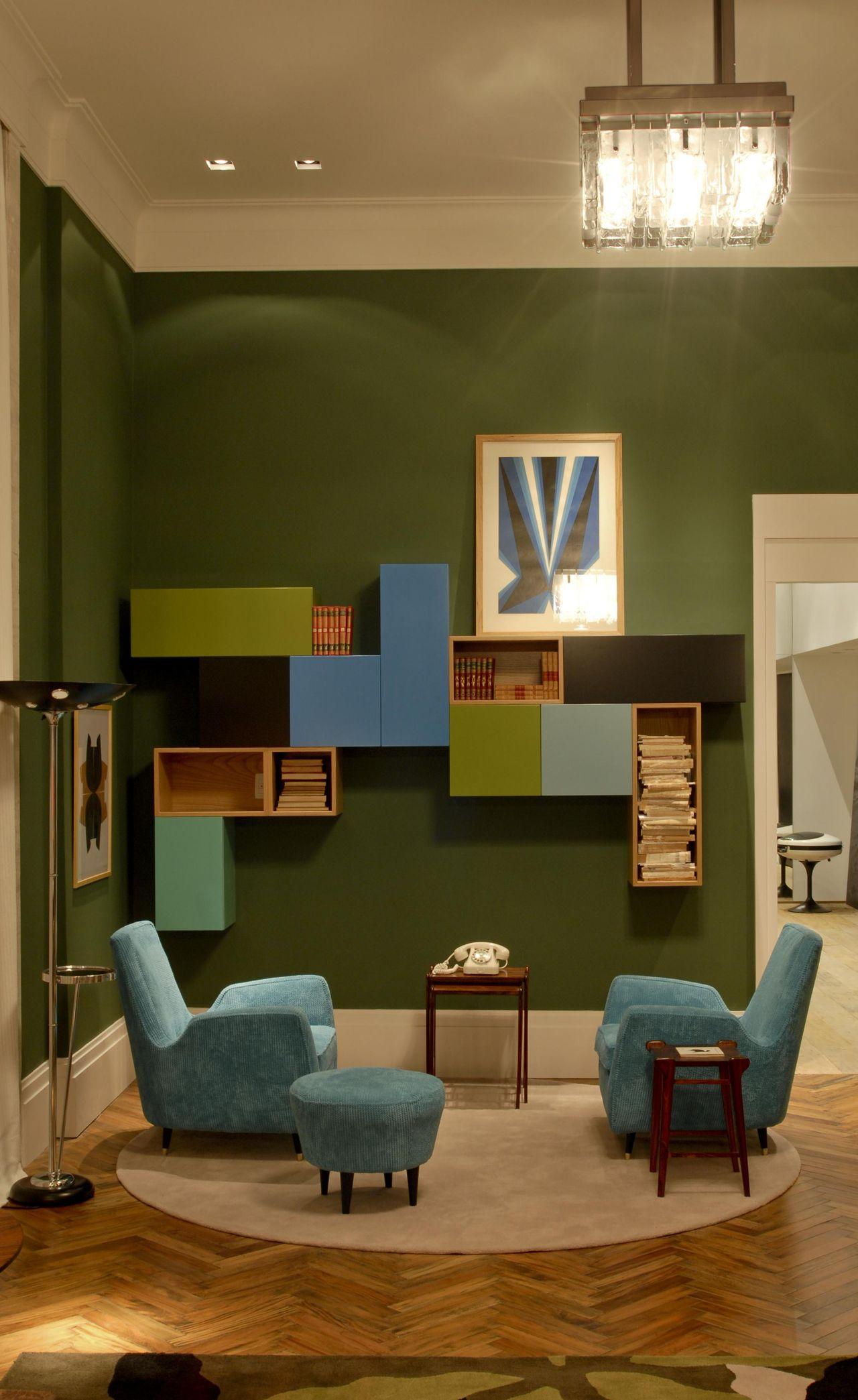 Nichos Coloridos E Poltronas Azul Turquesa De Ant Nio Ferreira  -> Cadeiras Acrilico Azul Turquesa