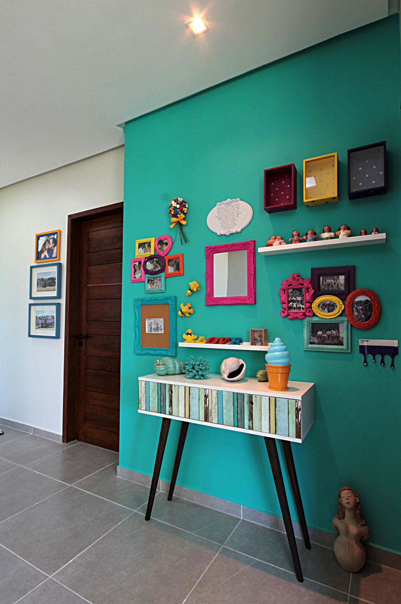 Parede Verde Com Moldura Colorida De Célia Beatriz 103171 No Viva