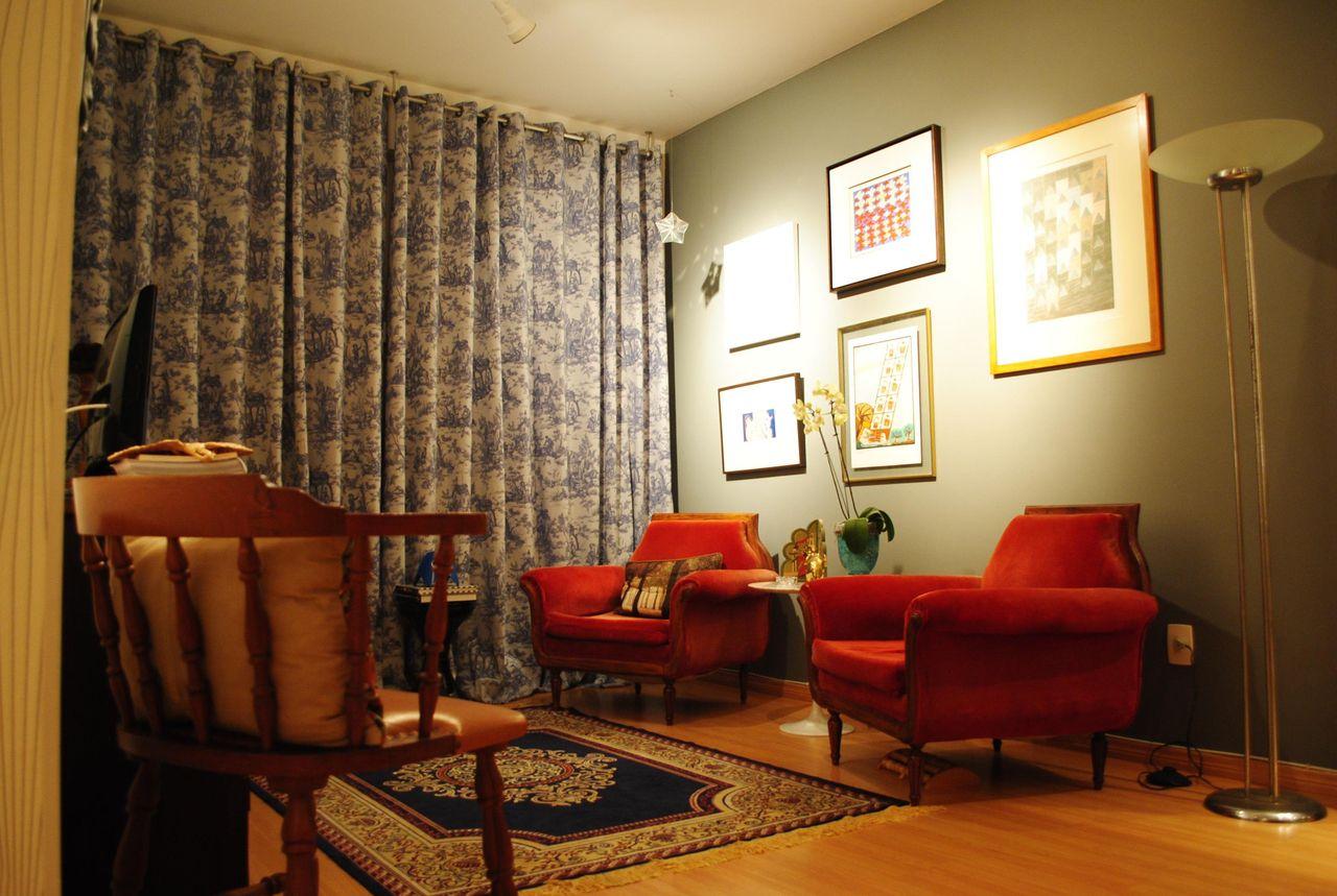Sala De Estar Pequena Com Poltronas De Gabriel Hering 33717 No  -> Poltronas Na Sala De Estar Pequena