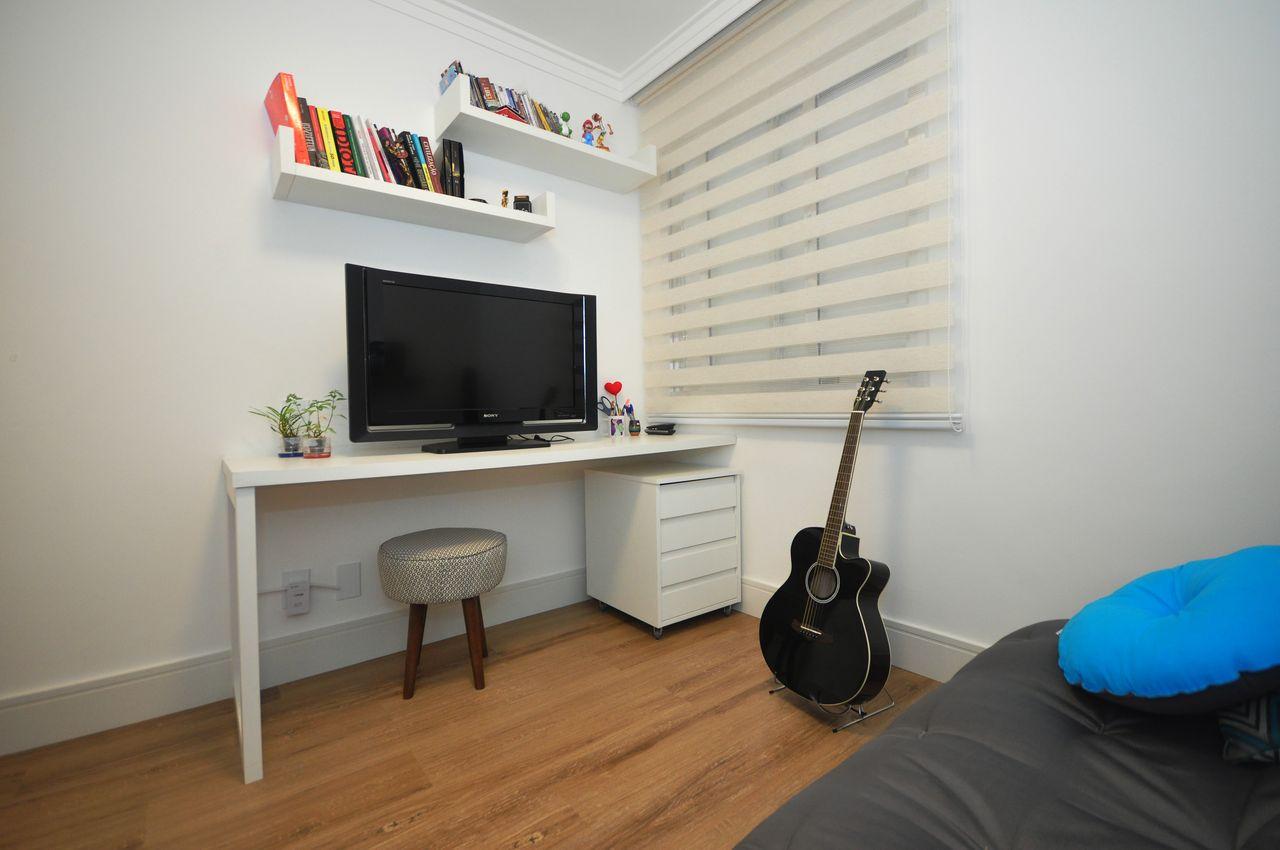 Sala Branca Com Prateleiras De Livros De Condecorar Arquitetura E  -> Decoracao De Sala Com Prateleiras
