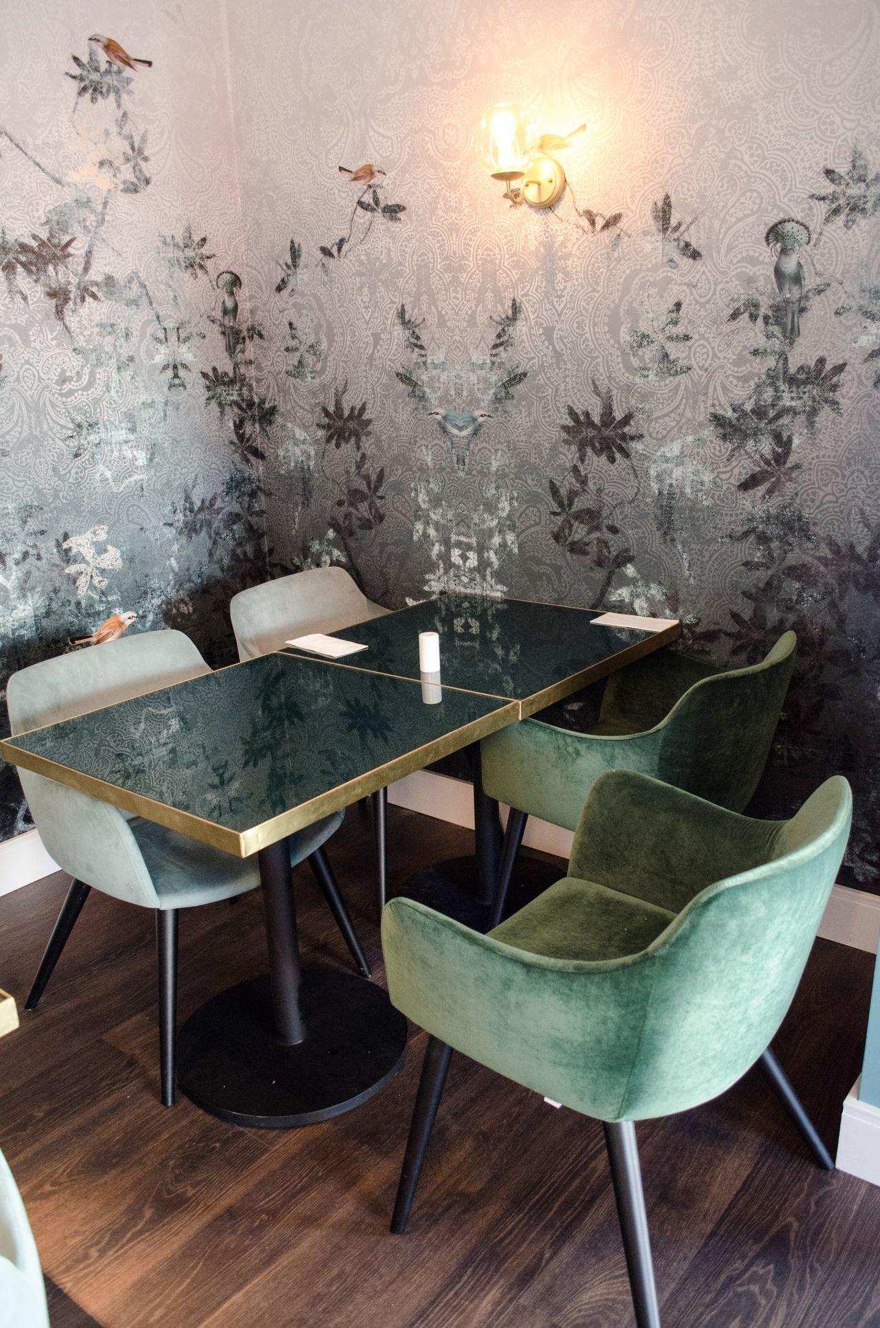 Sala De Jantar Com Papel De Parede Cl Ssico Neutro De Casacor Sp  -> Papel De Parede Para Sala Neutro