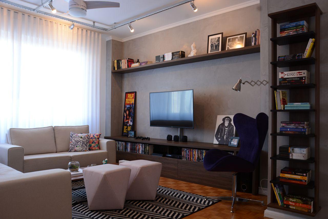Sala De Tv E Leitura Com Luz Estilo Industrial De Nathalia Bilibio  -> Sala De Tv E Biblioteca