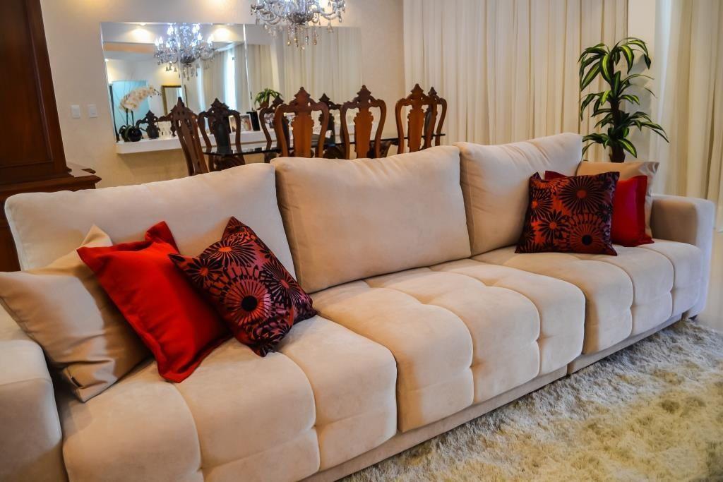 sof com almofadas vermelha de elo arquitetura engenharia 42700 no viva decora. Black Bedroom Furniture Sets. Home Design Ideas