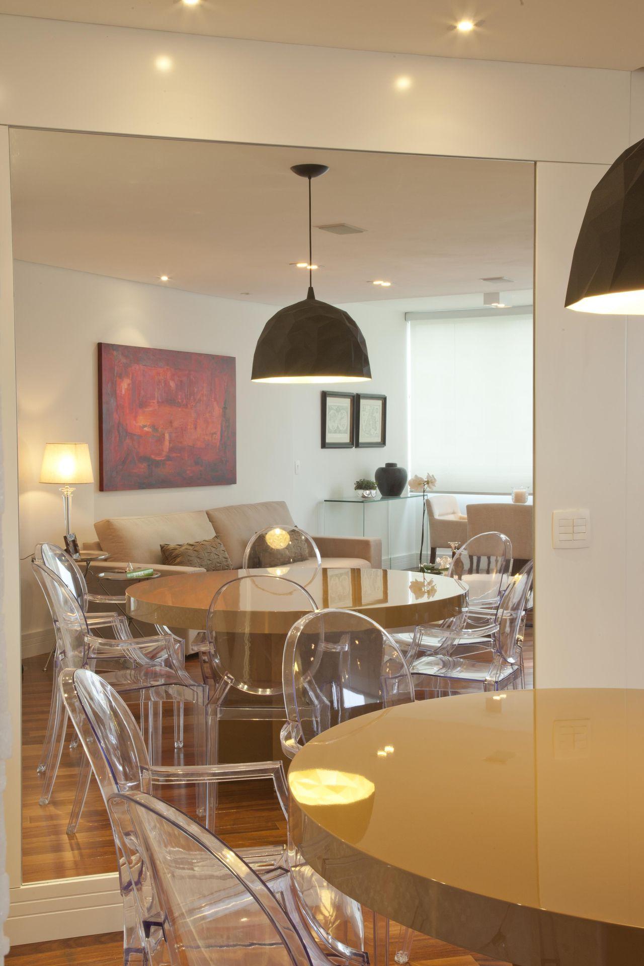 Cadeira De Acr Lico Transparente De Patricia Kolanian Pasquini 583  -> Cadeiras Para Sala De Jantar Acrilico