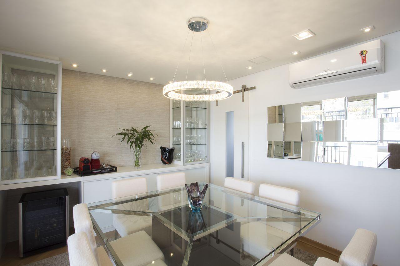 Cristaleira Na Sala De Jantar Sala Jantar Mesa Cristaleira Cadeiras  -> Adega Para Sala De Jantar Pequena