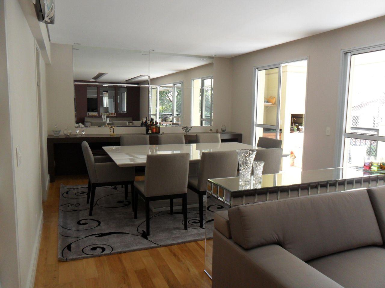 Sala De Jantar Com Mesa De Quadrada E Cadeira Esto De Luiza Altman  -> Sala Quadrada Planejada