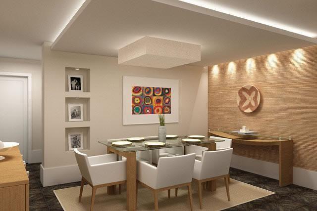 Decoração Sala de Jantar Mesa com tampo de vidro e cadeiras de couro claro casabela 20788