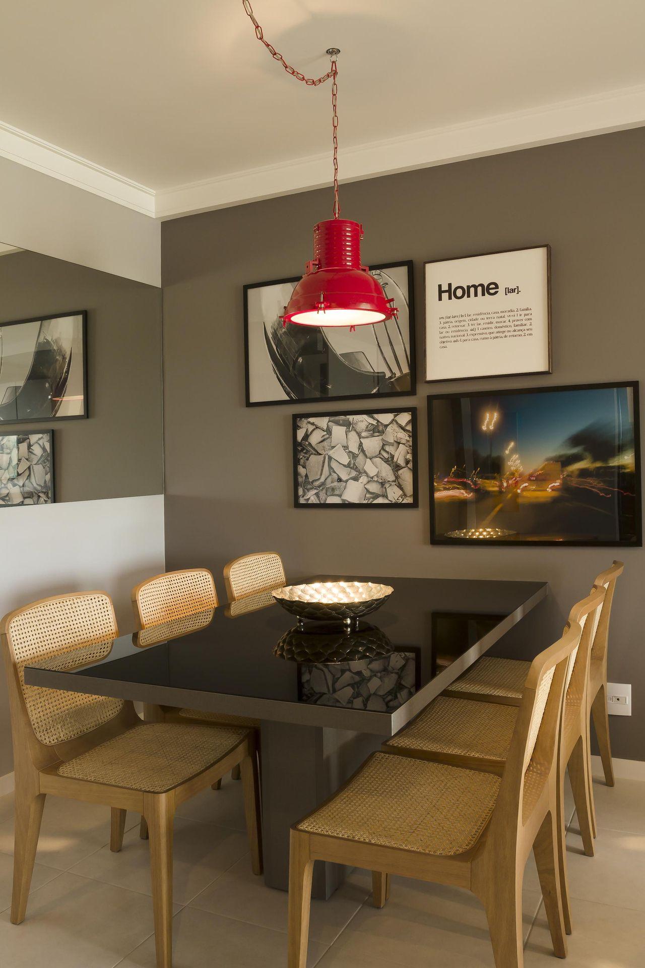 Pendente Para Sala Veja Que Aqui Os Pendentes Foram Usados Para  -> Lustre Para Sala De Jantar Vermelho