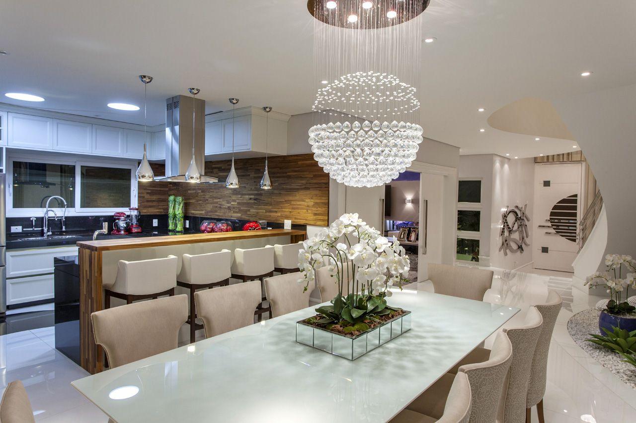 Sala De Jantar Com Pendente Integrada A Cozinha De Aquiles Nicolas