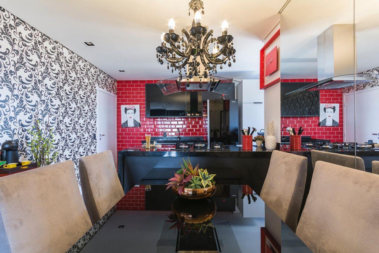 Decoração Sala de Jantar Papel de parede escuro e cadeiras de veludo claro ricardolopez 63072