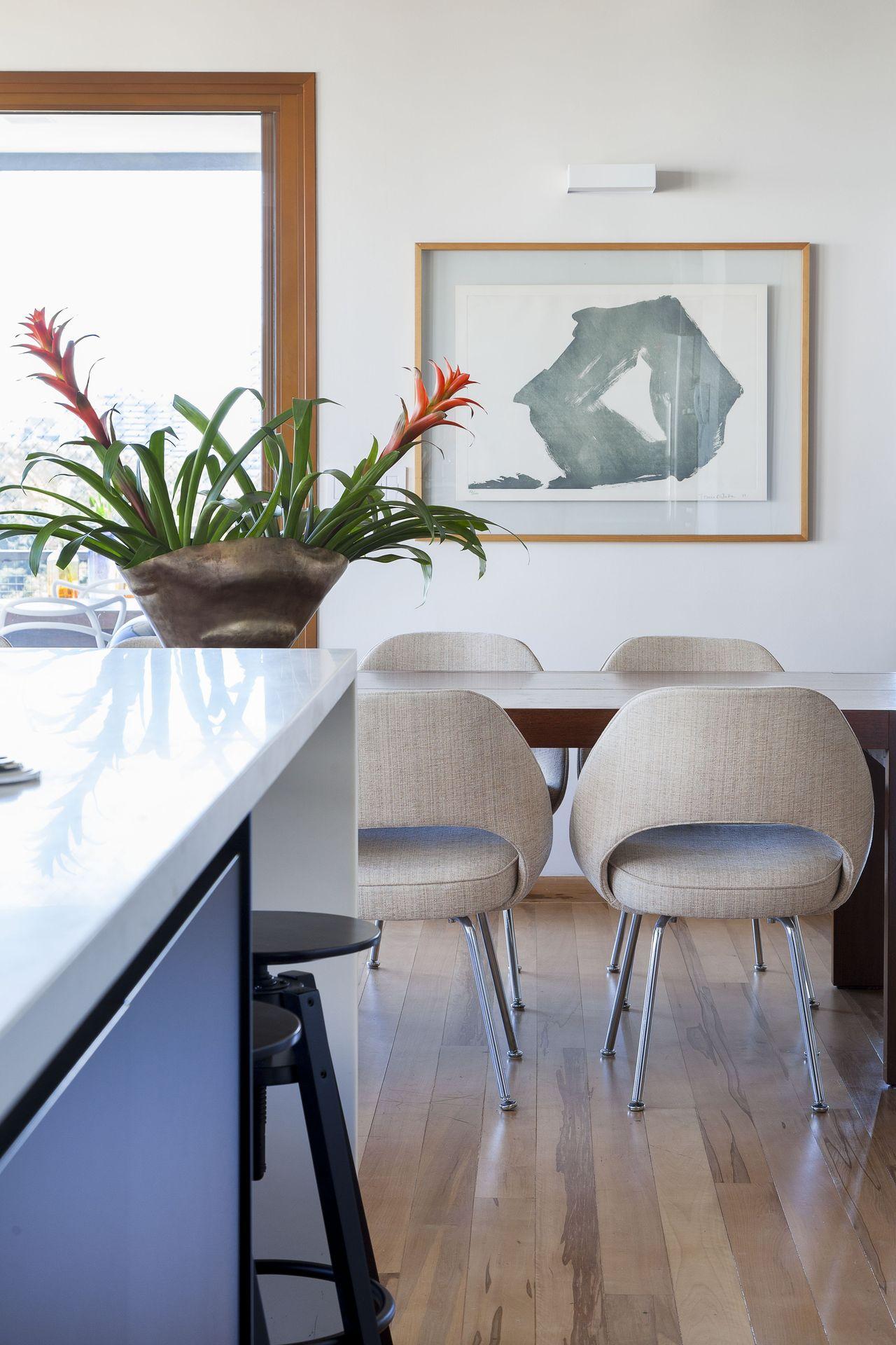 Piso De Madeira E Quadro Abstrato De D Ptico Design De Interiores  -> Quadro Abstrato Sala De Jantar