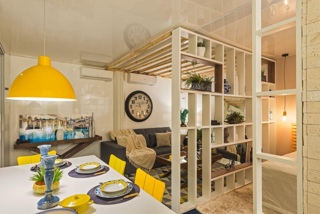 Sala Jantar Branca E Amarela Integrada Ao Quarto De Morar Mais Por  ~ Quarto Com Varanda Integrada E Prateleira Quarto Menina